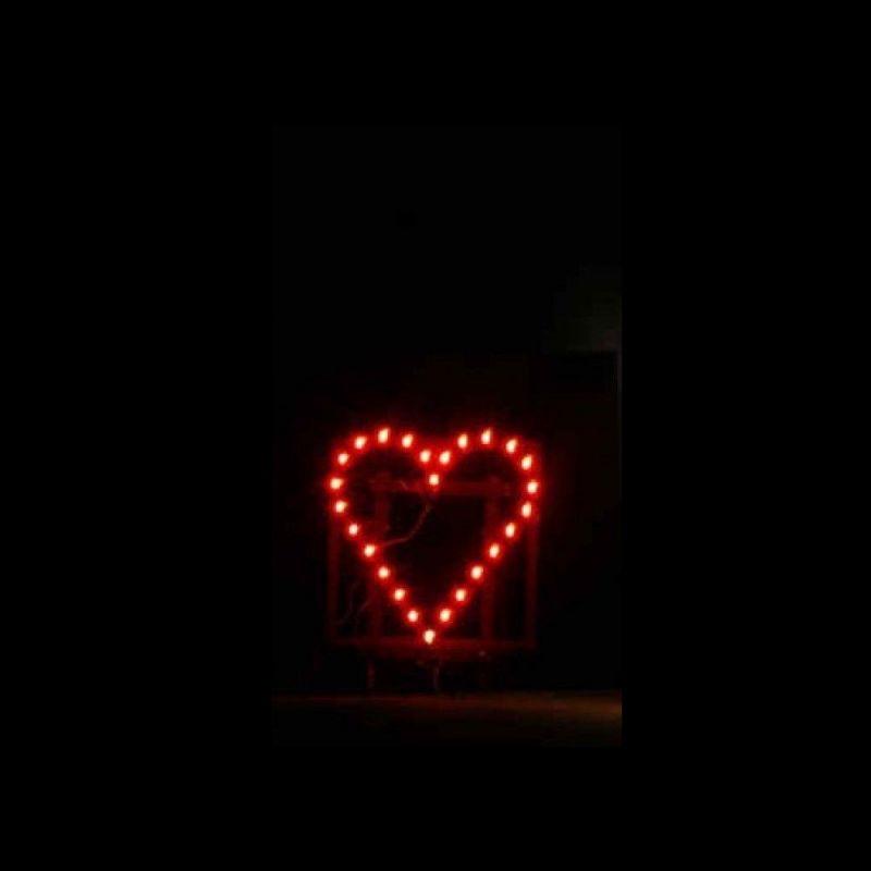 Komplett aufgebautes Lichterbild Brennendes Herz 70 x 70cm
